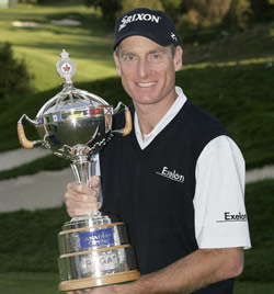 Image of Jim Furyk holding trophy